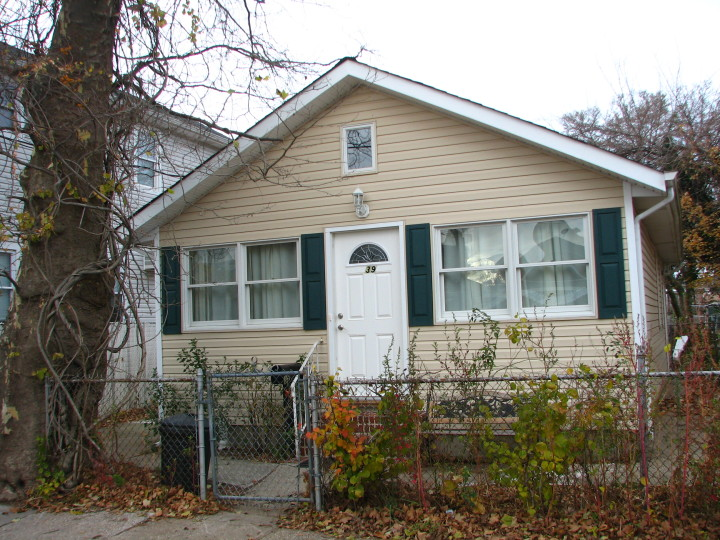 39 Center Place in New Dorp Beach sold for $59,428 in May 2013. Photo: CHPC/Neil Reilly